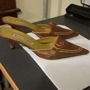 Manolo Blahnik Shoes - Monolo Blahnik Kitten heels